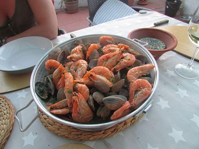 A pork, prawn and clams Cataplana